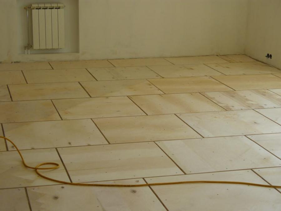 Как правильно укладывать фанеру на бетонное основание