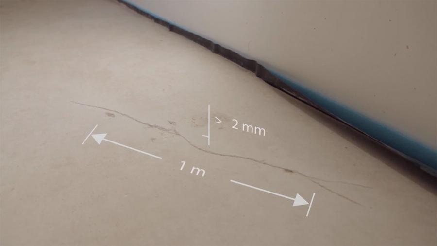 Заливка трещины в стяжке